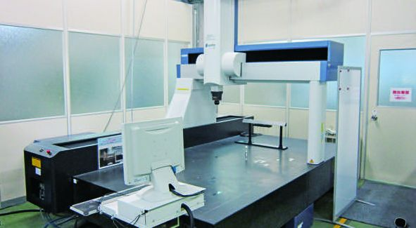 3-D Measuring Machine (Contact)